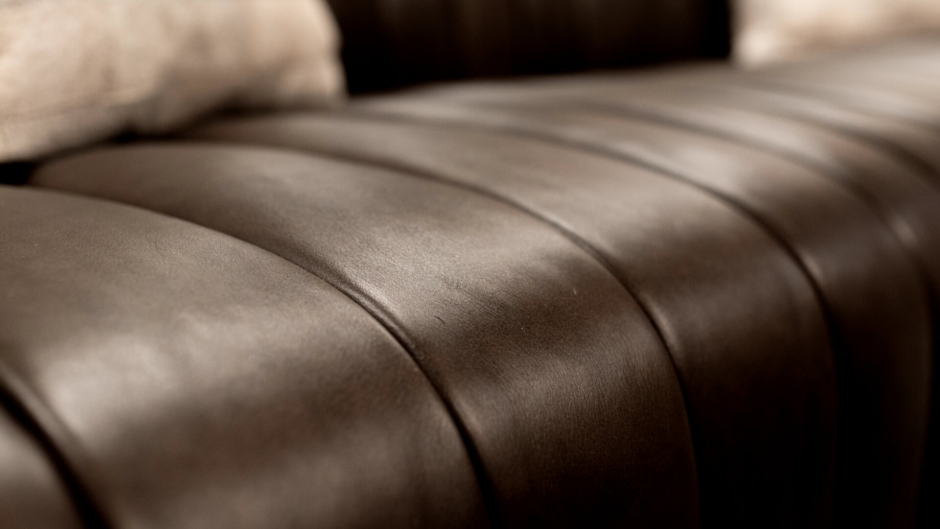 Lowtown-Studios Lounge Macro Couch