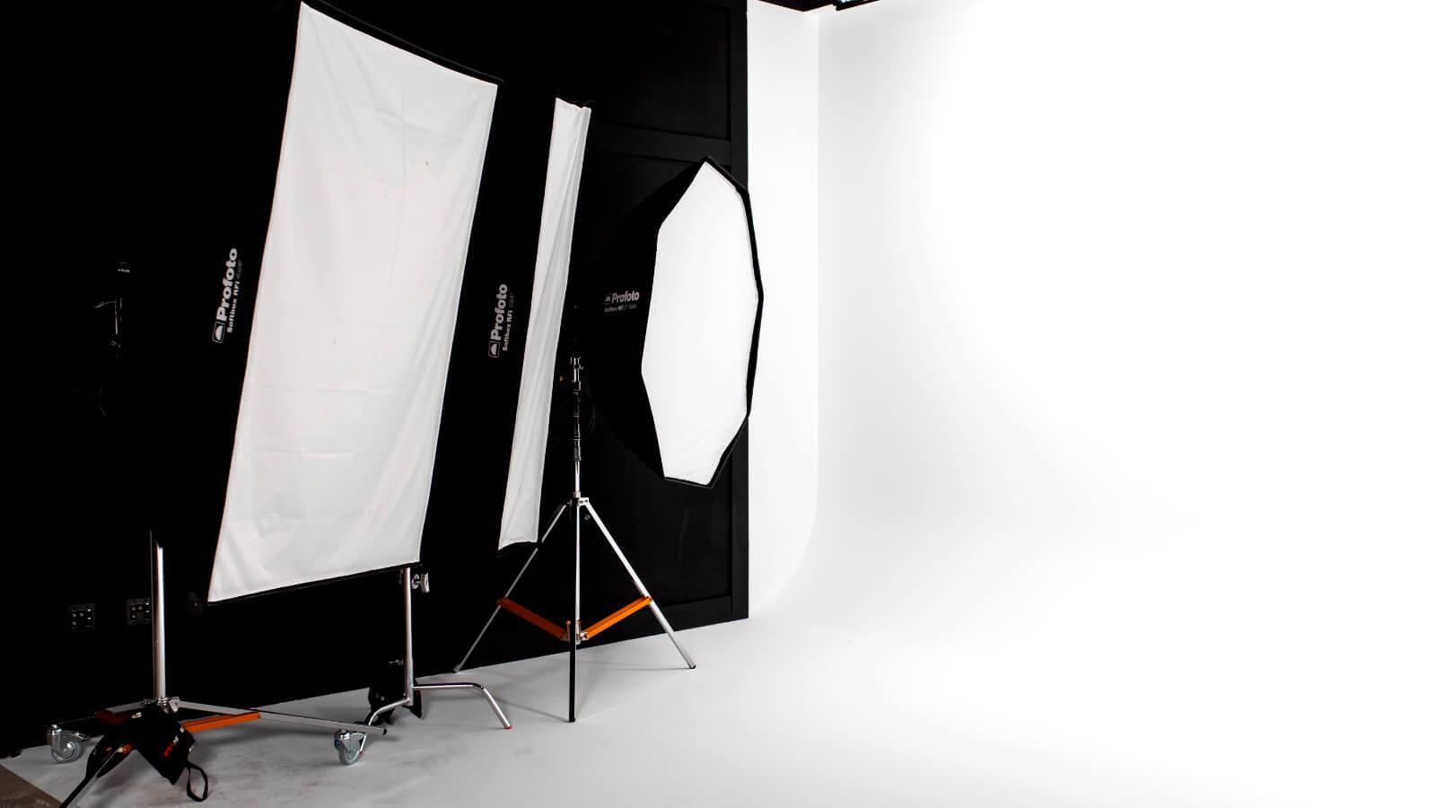 Lowtown-Studios Pro Photo Equipment